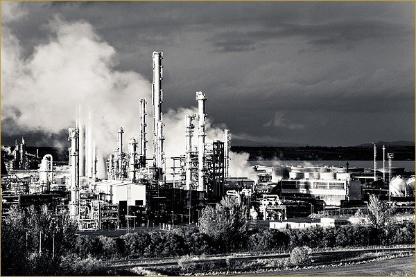 Grangemouth oil cracking plant