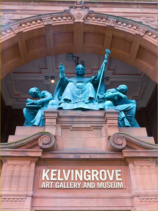 Front of Kelvingrove Art Gallery and Museum