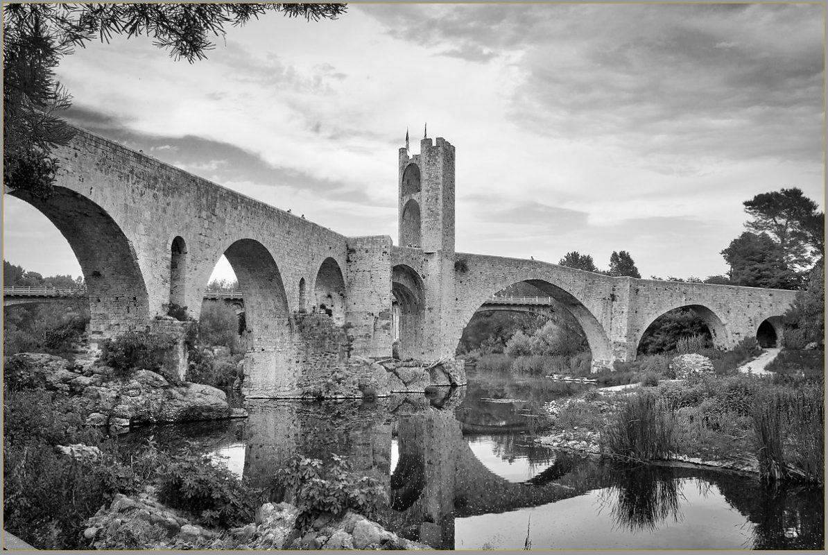 Bridge over river Fluvia
