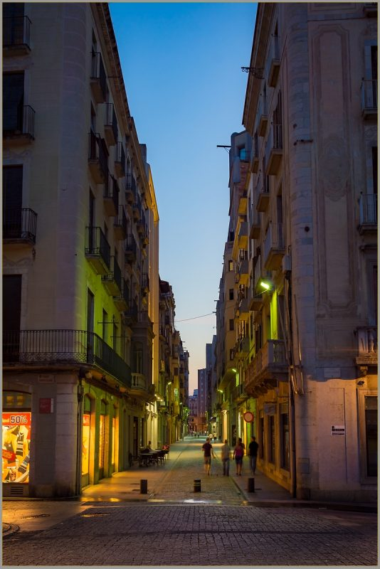 Carrer Nou at dusk