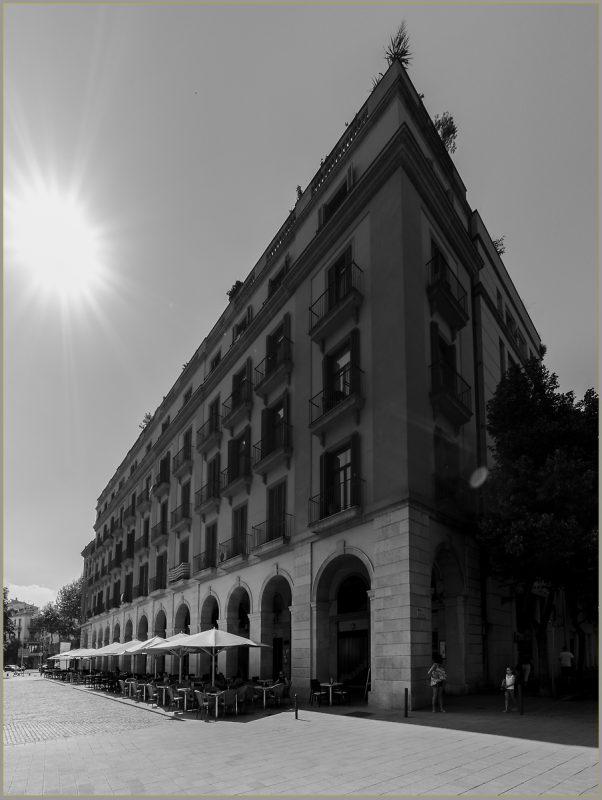Restaurants on Plaça de la Independéncia